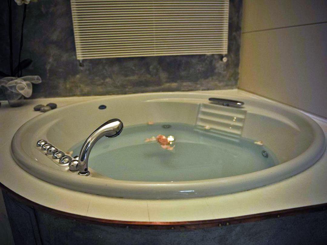 vasca idromassaggio whitehouse52